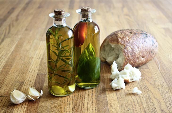 Оливковое масло с прованскими травами