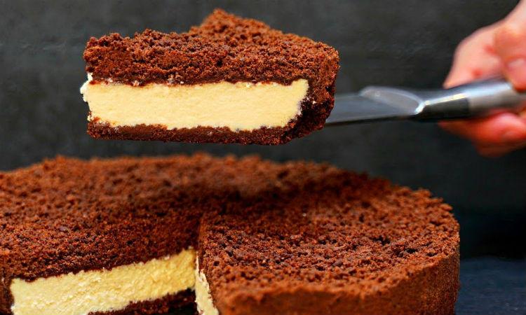 Шоколадный пирог с творогом за минуты: не нужно даже замешивать тесто