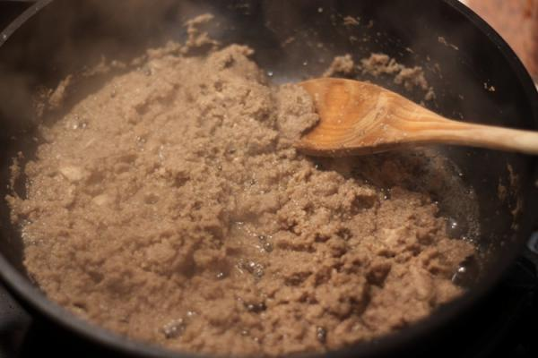 Как приготовить говядину в горшочке с картошкой видео