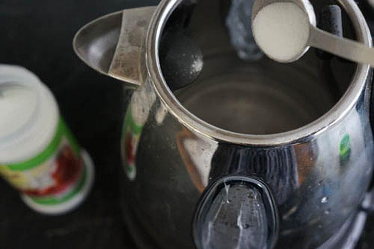 Накипь в чайнике: убираем без следа обычной содой